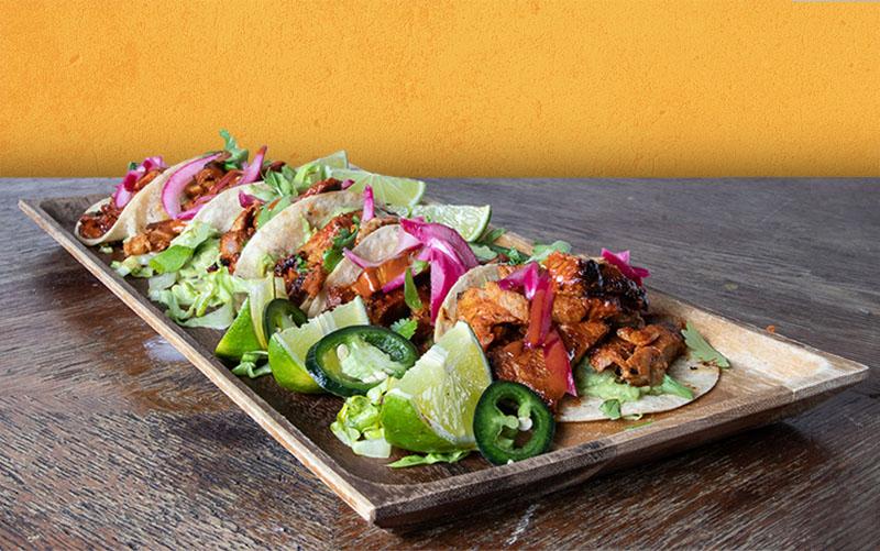 Meksikolainen ravintola TnT:n Taco-annos